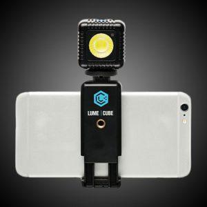 lume-cube-flash-smartphone-21488